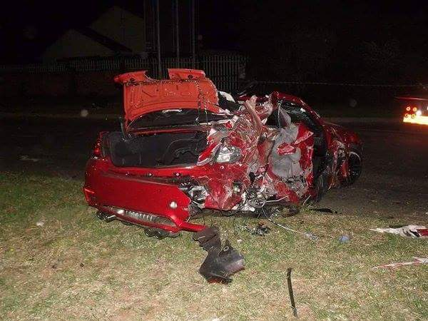 Pictures Of M4 After Terrible Crash In Sri Lanka
