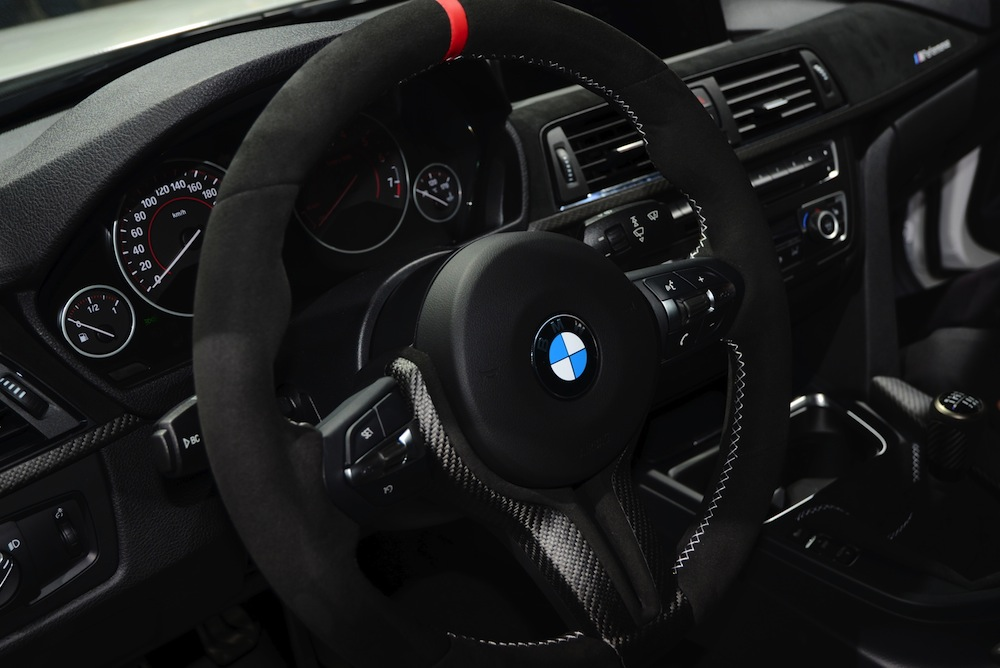 Name:  bmw-335i-m-performance-interior-11.jpg Views: 1302 Size:  130.1 KB