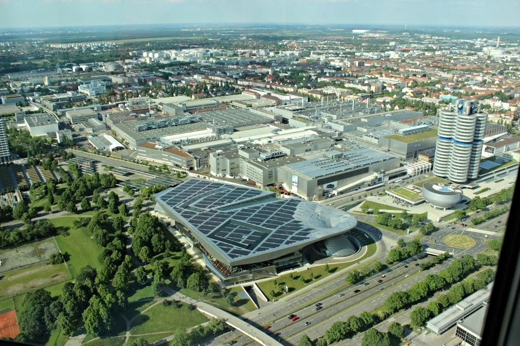 Name:  BMW Welt and Museum and WERK  IMG_8928.jpg Views: 5040 Size:  179.6 KB
