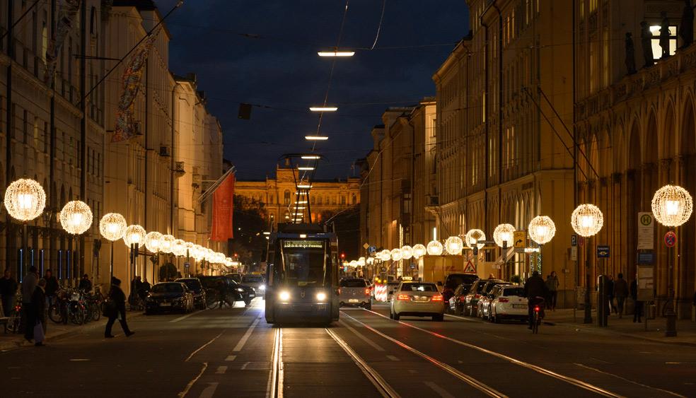 Name:  Brenner  maximilianstraße-weihnachtsbeleuchtung.jpg Views: 351 Size:  196.7 KB