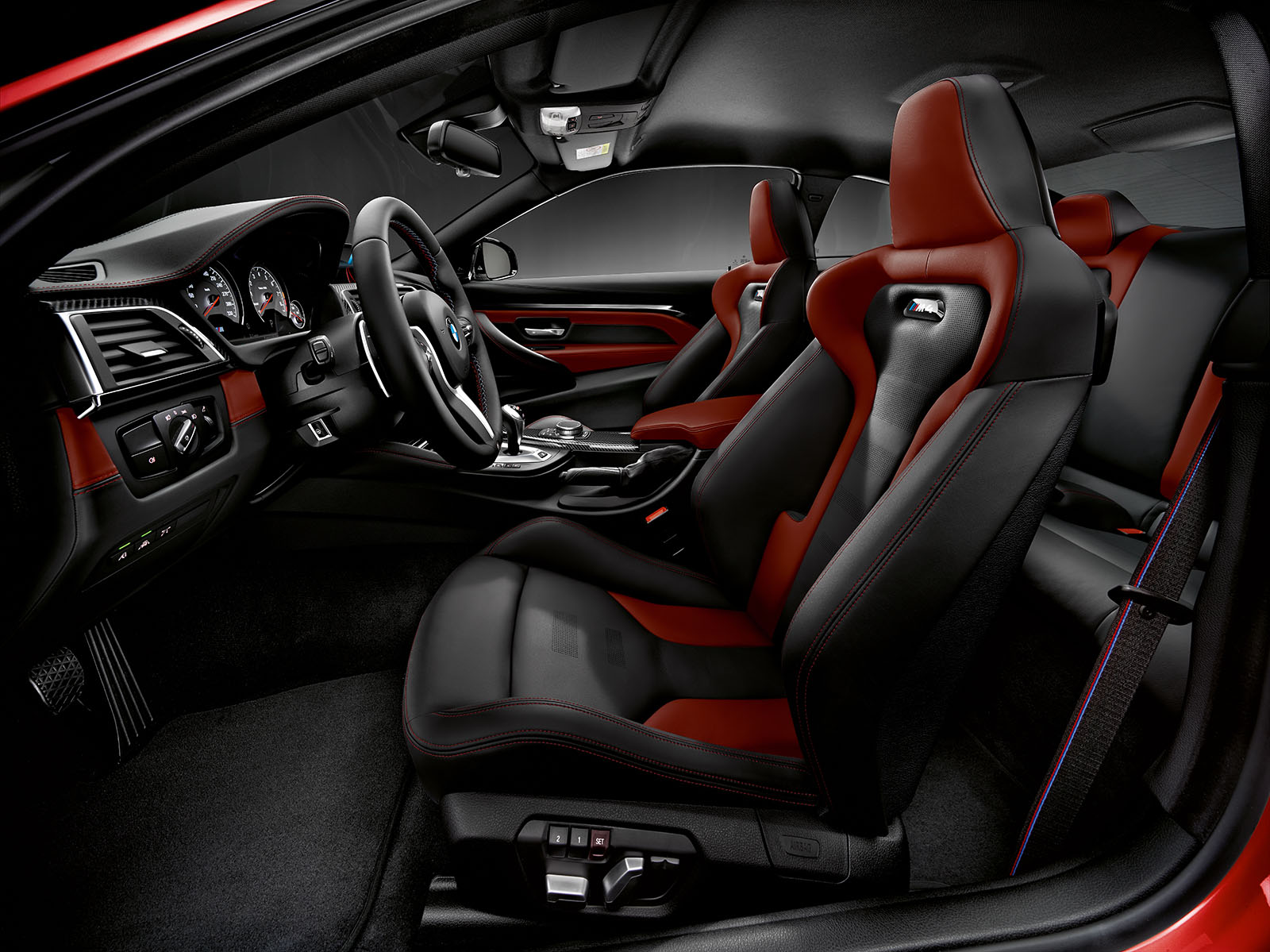 Name:  P90334924_highRes_the-bmw-m4-coupe-01-.jpg Views: 36745 Size:  444.0 KB