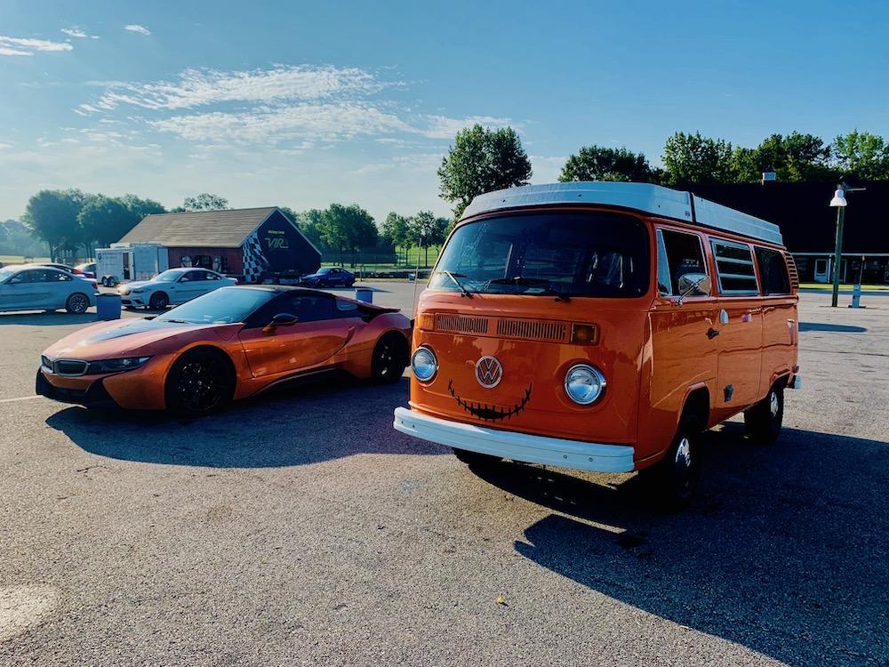 Name:  bus and i8.jpeg Views: 5362 Size:  309.5 KB