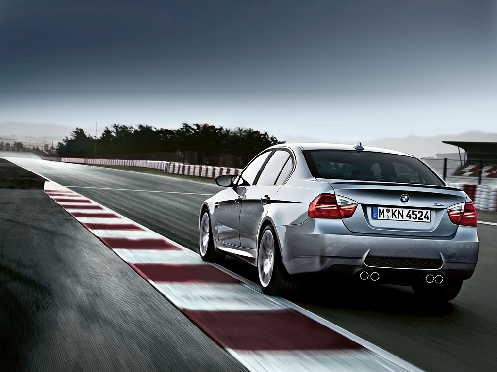 Name:  e90 rear quarter.jpg Views: 2654 Size:  123.8 KB