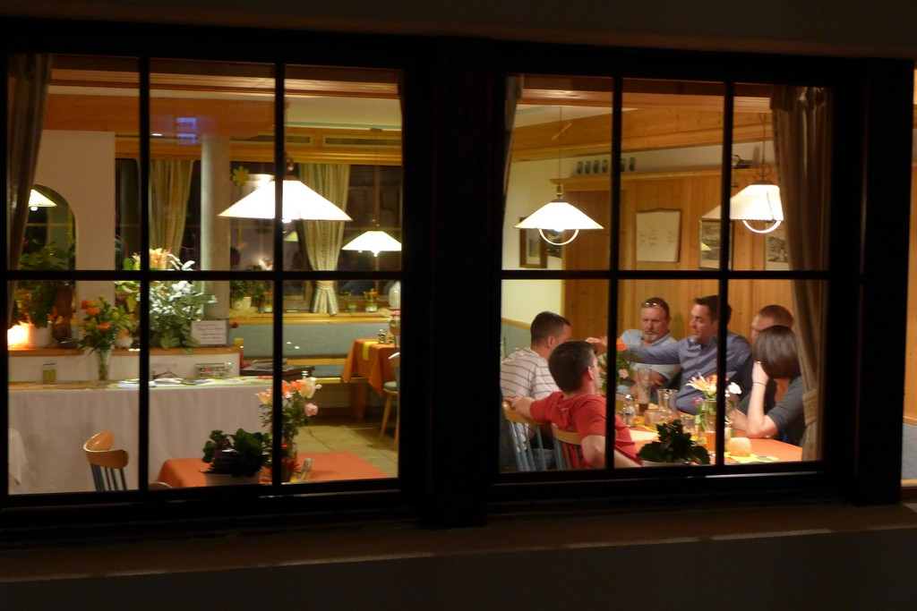 Name:  SchlossBlick Hotel near Kufstein, AustriaP1000936.jpg Views: 4558 Size:  150.4 KB