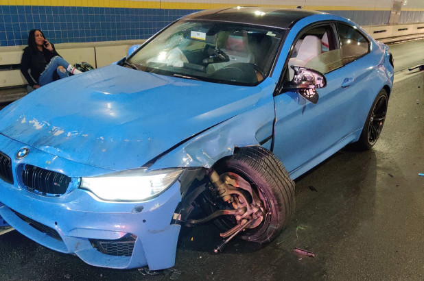 Name:  queens-tunnel-5-cars-hit-bmw.jpg Views: 1190 Size:  93.0 KB