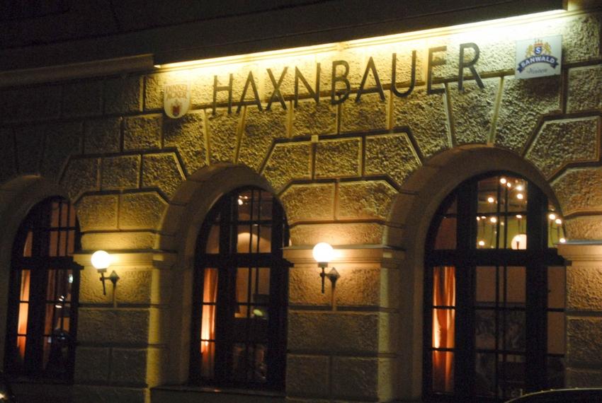 Name:  Haxnbauer im Scholastikahaus .jpg Views: 5033 Size:  412.3 KB