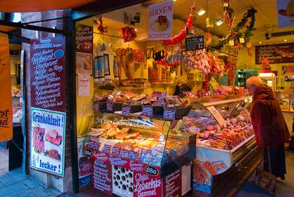 Name:  Munich butcher   _4_butcher-shop-meat-seller-m.jpg Views: 1399 Size:  85.2 KB
