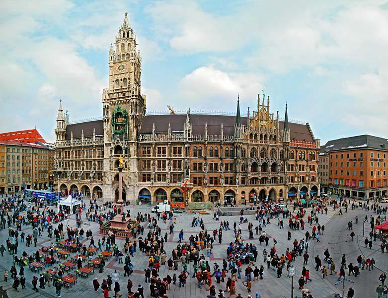 Name:  Marienplatz3279647691965_569965791_n.jpg Views: 1559 Size:  125.8 KB