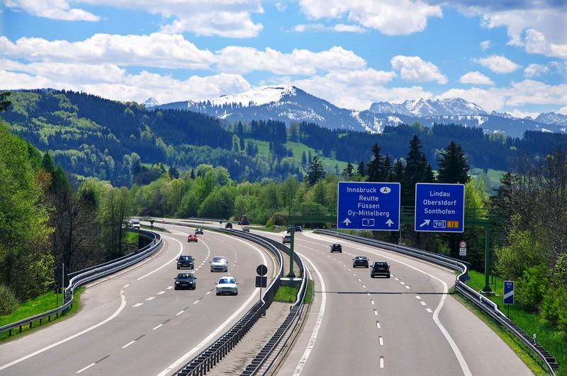 Name:  Autobahn NGyCJzQ.jpg Views: 1326 Size:  153.8 KB