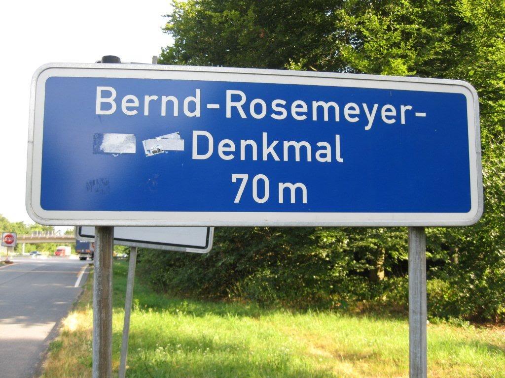 Name:  Bernd Rosemeyer Denkmal Restplatz on the A5 Autobahn IMG_3423.jpg Views: 1392 Size:  143.3 KB
