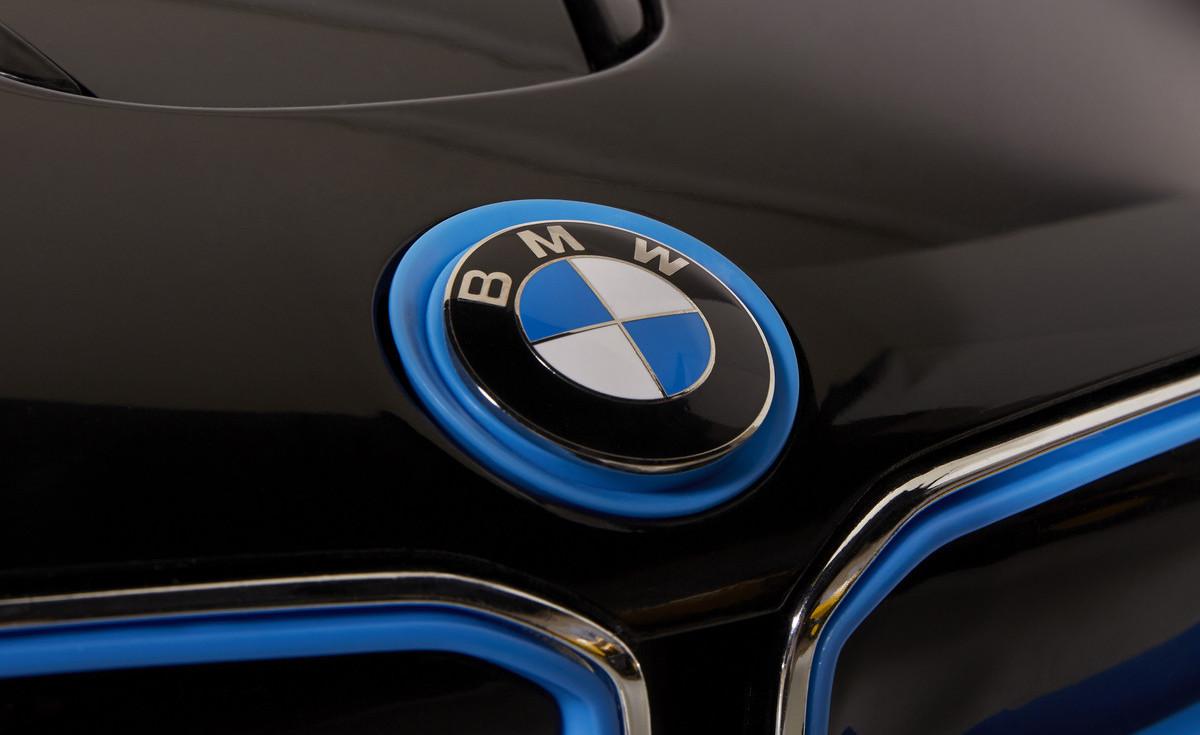 Name:  8802-61-6V-BMW-i8_03.jpg Views: 7887 Size:  127.8 KB
