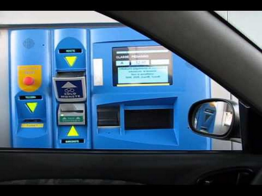 Name:  Italian Autostrada toll booth.jpg Views: 3388 Size:  82.6 KB