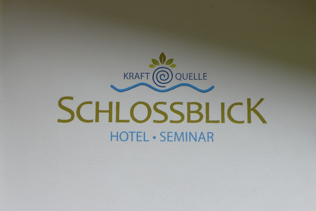 Name:  schloss Blick Hotel Kufstein   P1000990.jpg Views: 4990 Size:  144.2 KB