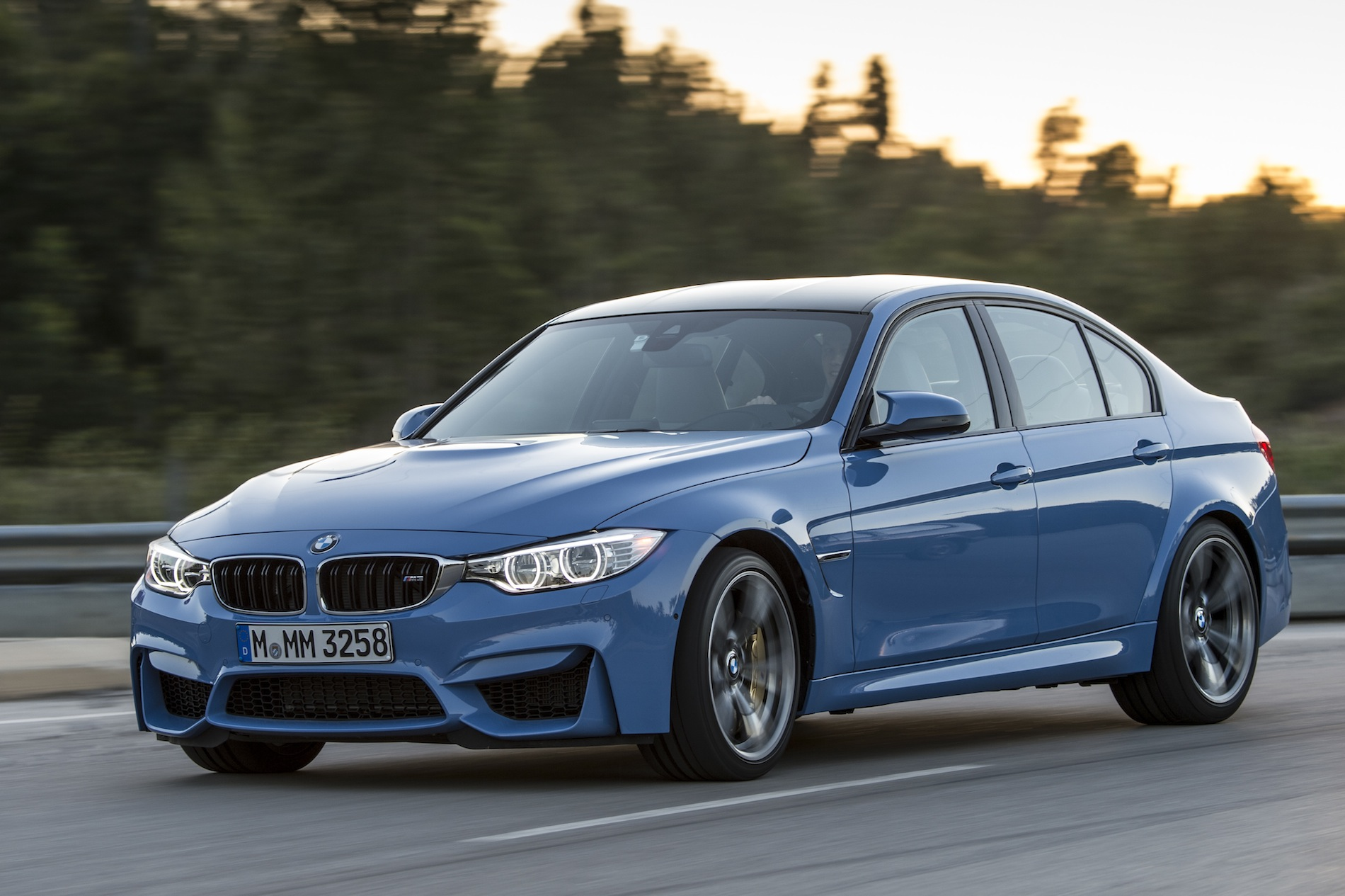 2015 bmw m3 sedan f80 official specs wallpapers videos photos info. Black Bedroom Furniture Sets. Home Design Ideas