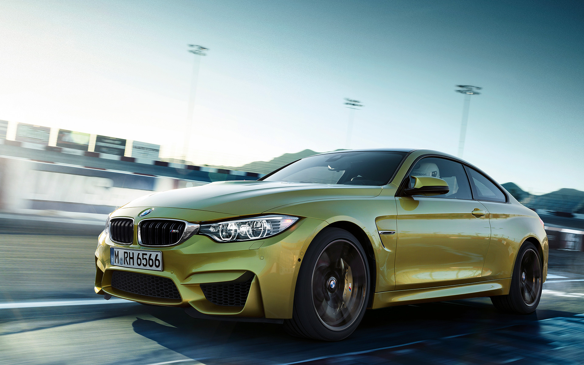 2015 bmw m4 coupe f82 official specs wallpapers videos. Black Bedroom Furniture Sets. Home Design Ideas