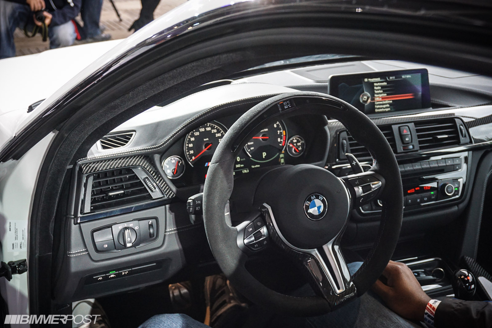 M4 M Performance Electronic Steering Wheel  The M3cutters  UK BMW M3 Group Forum