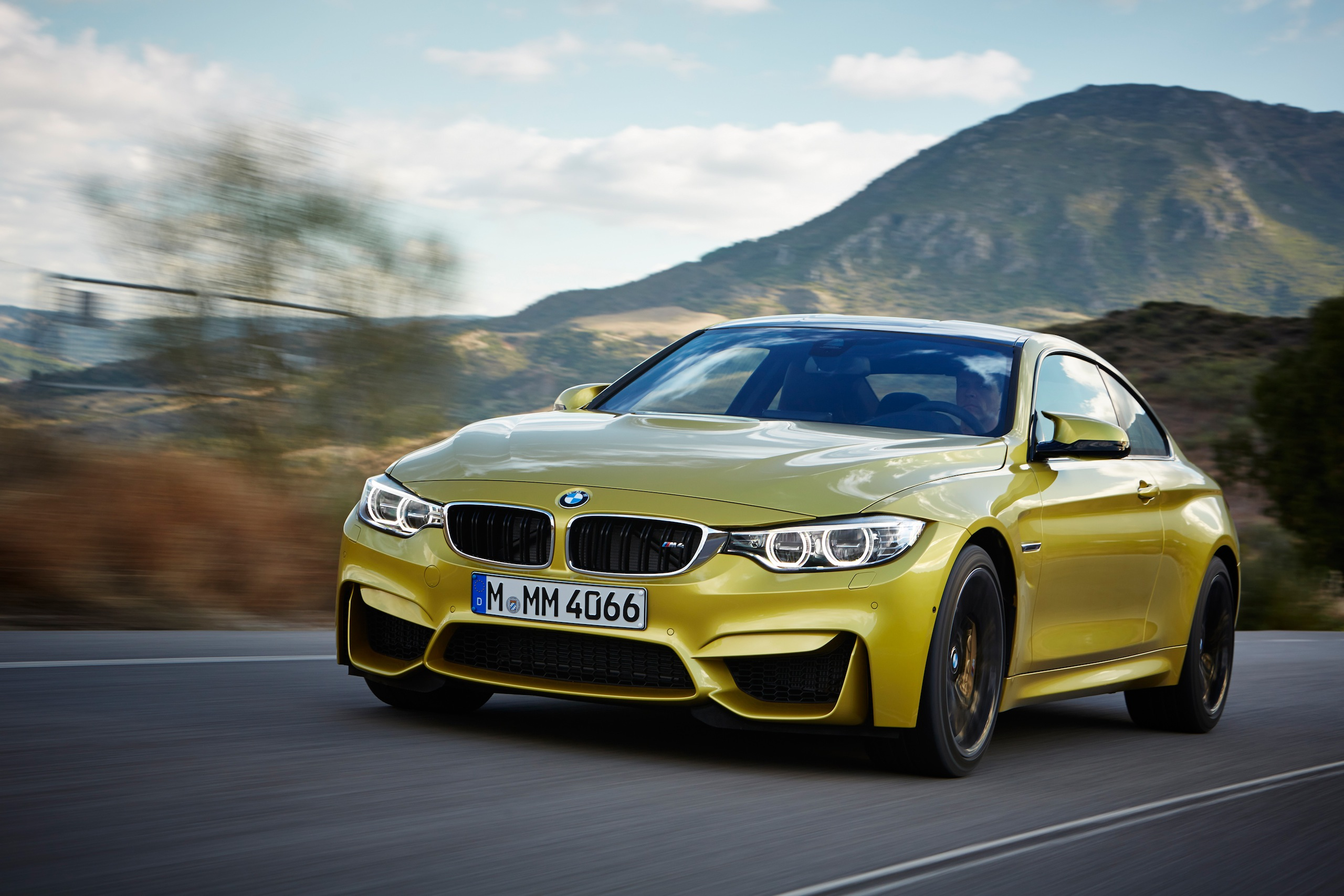 2015 bmw m4 coupe f82 official specs wallpapers videos photos info. Black Bedroom Furniture Sets. Home Design Ideas