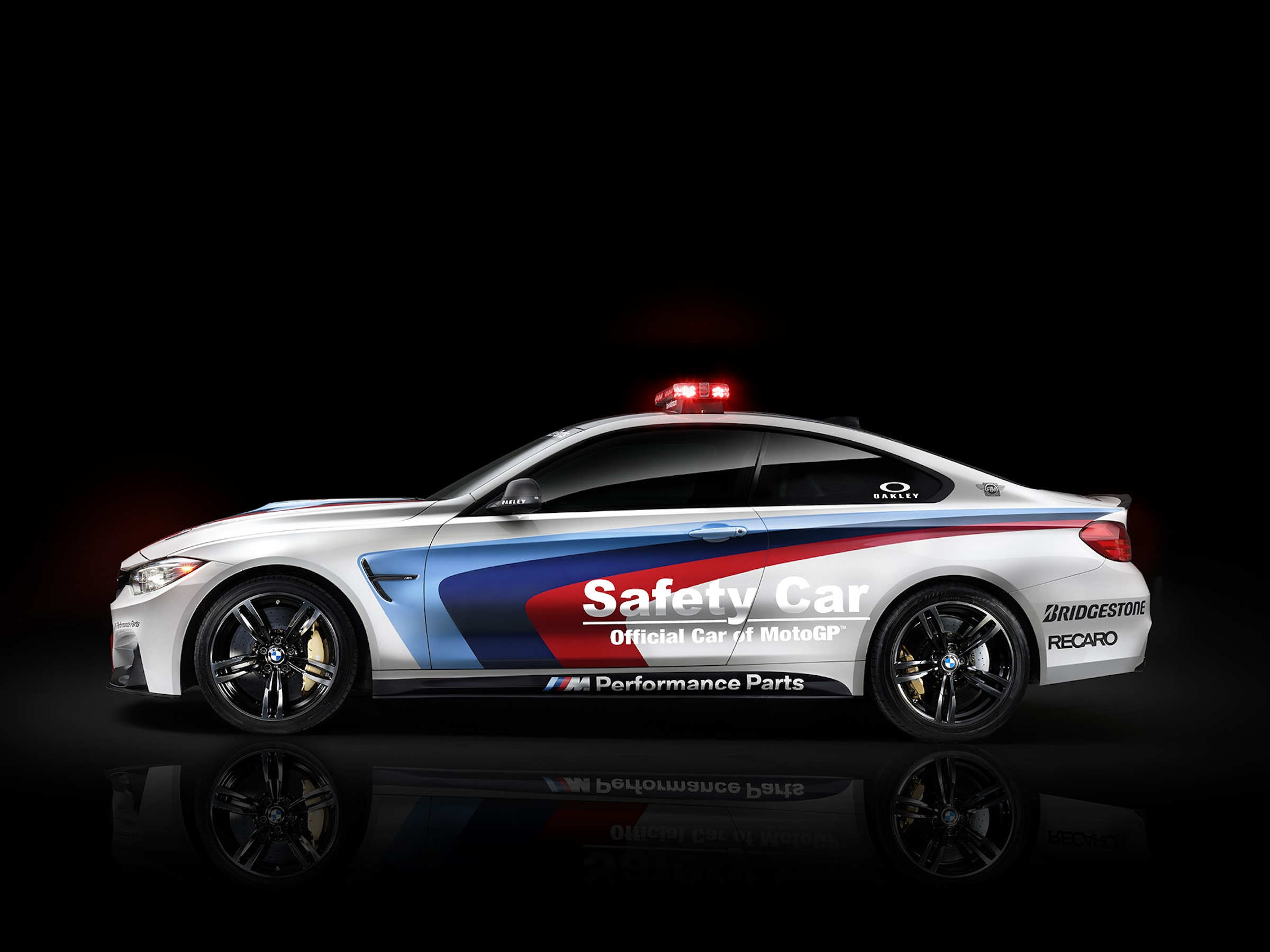 bmw m4 safety car videos from qatar motogp race. Black Bedroom Furniture Sets. Home Design Ideas