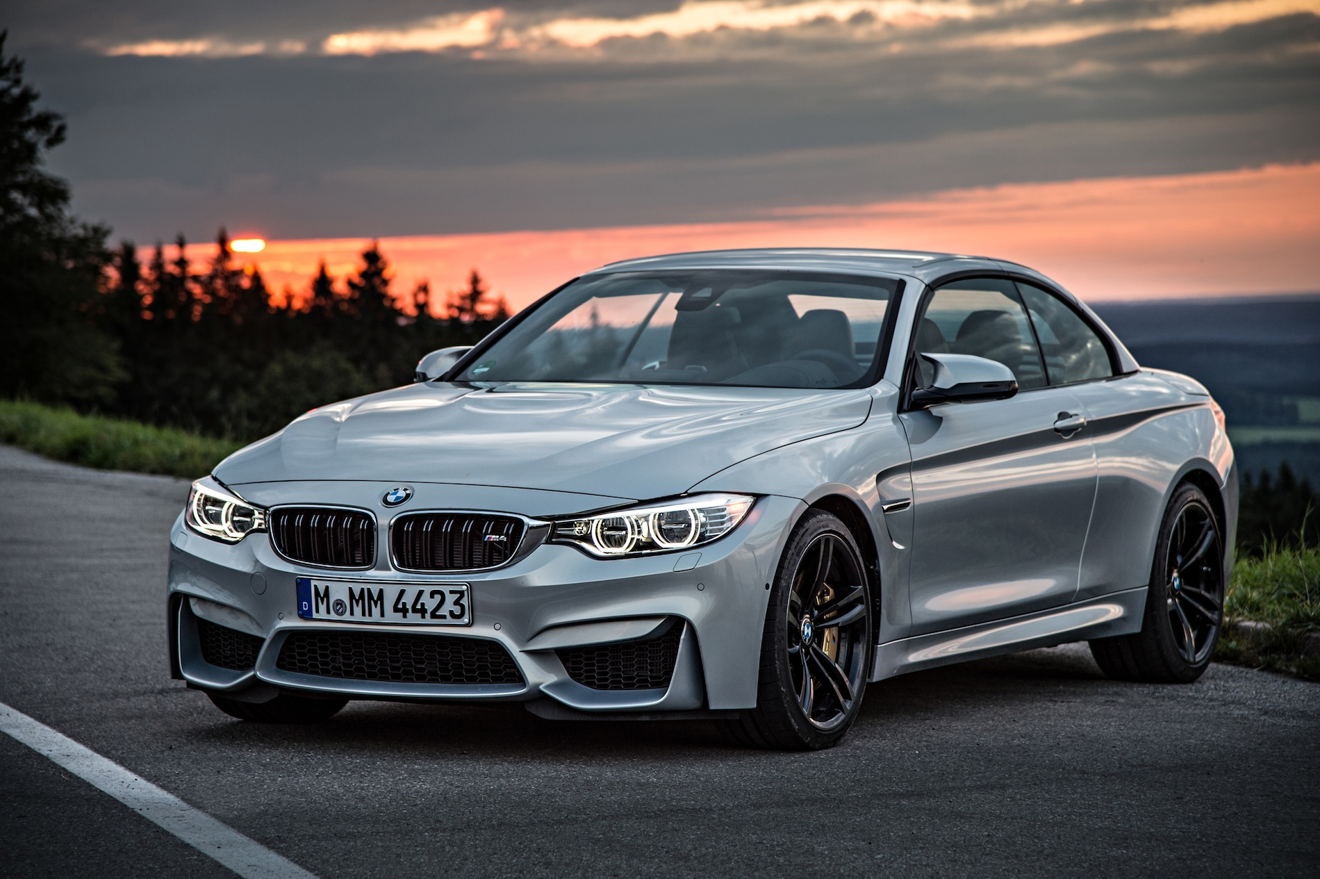 2015 bmw m4 convertible f83 official specs wallpapers. Black Bedroom Furniture Sets. Home Design Ideas